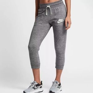 Nike Gym Vintage Capris Heather Gray